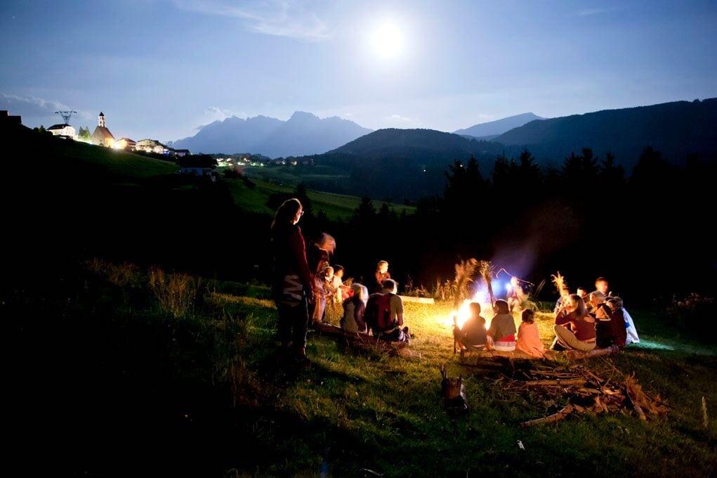 La Val d'Ega, le passeggiate di degustazione al chiaro di luna