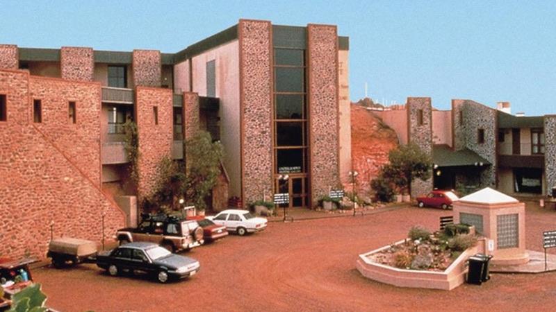 Gli hotel casinò più curiosi al mondo, Desert Cave Hotel
