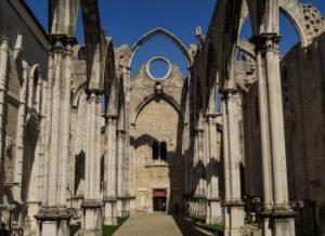 Cosa vedere a Lisbona, Chiesa crollata