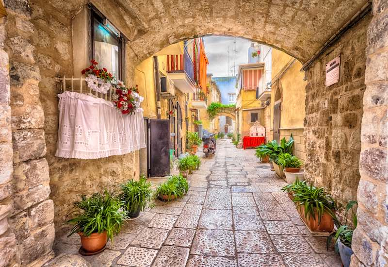 Le città meno visitate, Bari
