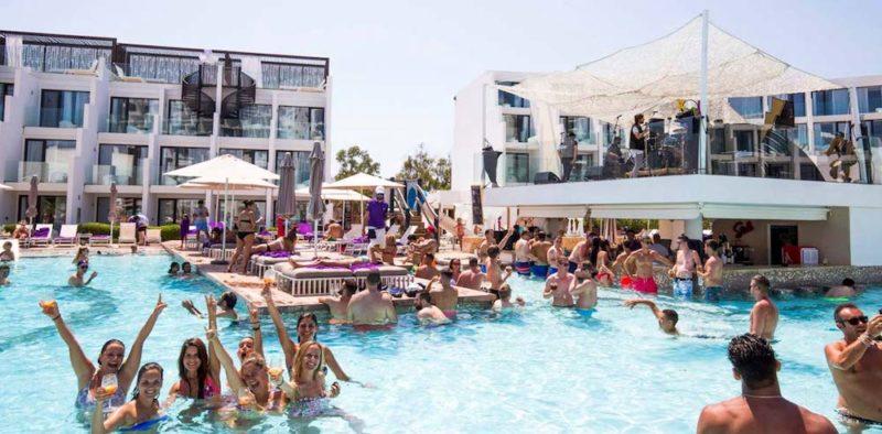 Party Hotel Ibiza, Hard Rock Cafè