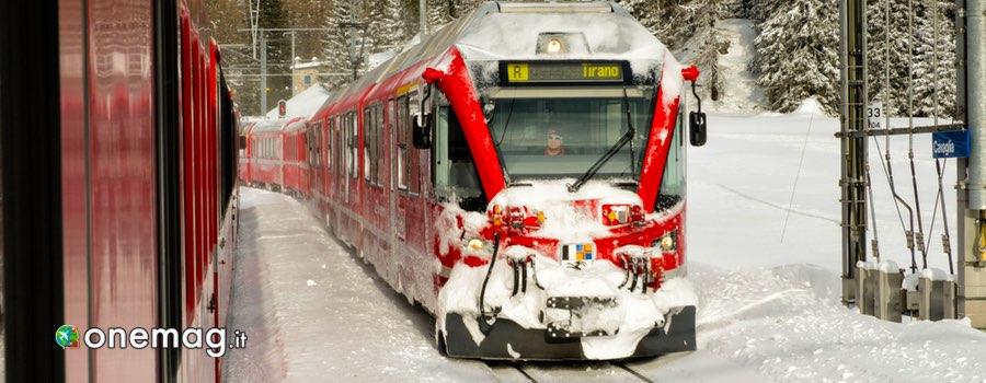 viaggio sul Viaggiare con il trenino Rosso del Bernina
