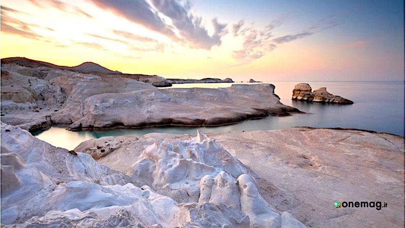 Cosa vedere sull'isola di Milos, le rocce di Sarakiniko