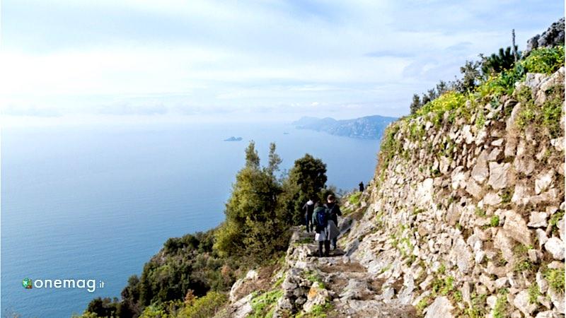 I migliori sentieri di trekking in Italia, Sentiero degli Dei