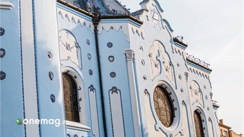 Cosa vedere a Bratislava, la chiesa blu di Bratislava