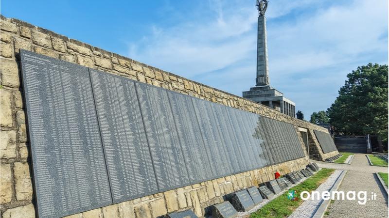 Cosa vedere a Bratislava, Slavin Memorial