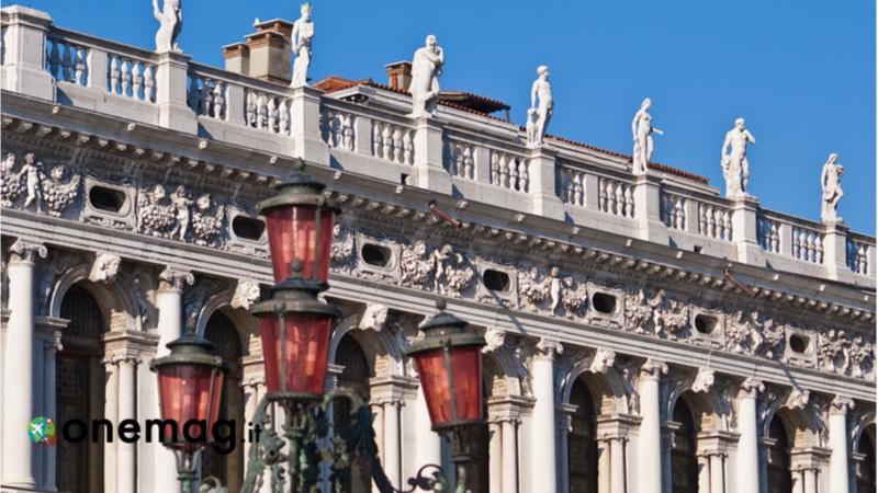 Cosa visitare a Venezia, la Libreria Sansoviniana