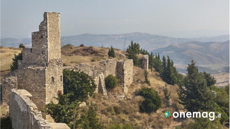 Albania luoghi meno noti, il Castello di Kanina a Valona