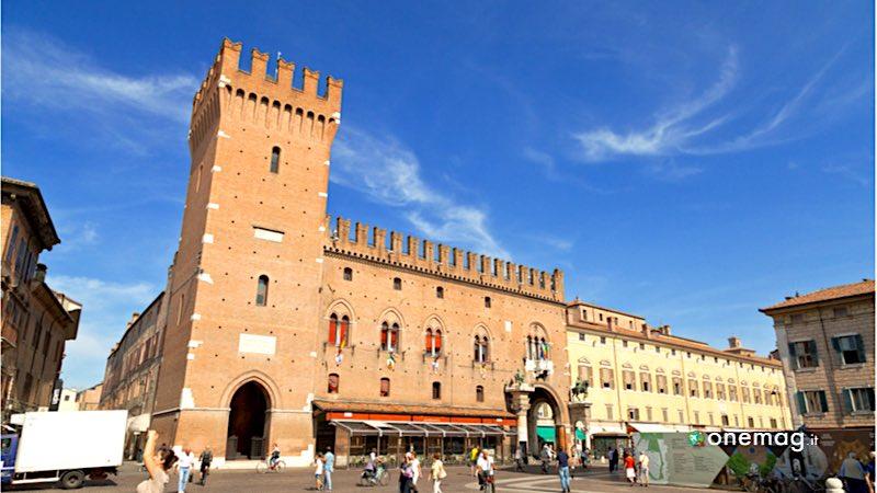Cosa vedere a Ferrara, Piazza Trento e Trieste