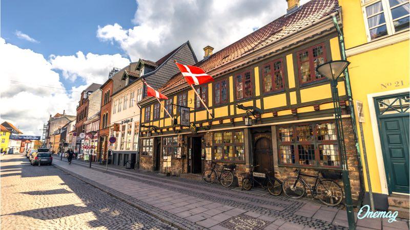 Cosa vedere a Odense, case colorate