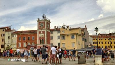 Cosa vedere a Rovigno, la piazza Grande