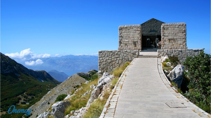 Monte Lovcen, Mausoleo