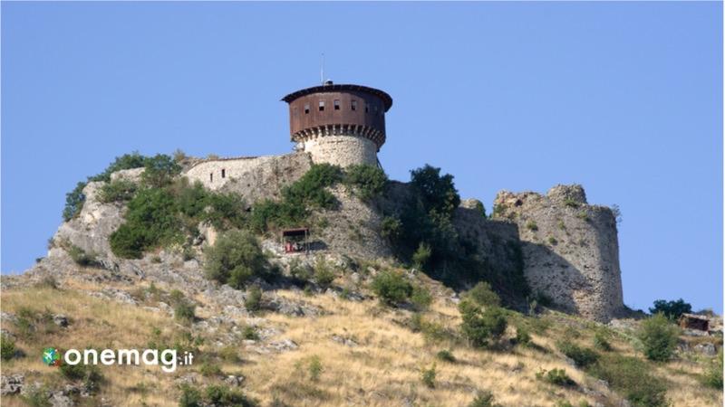 Tirana, cosa vedere nella capitale dell'Albania, il Castello di Petrela