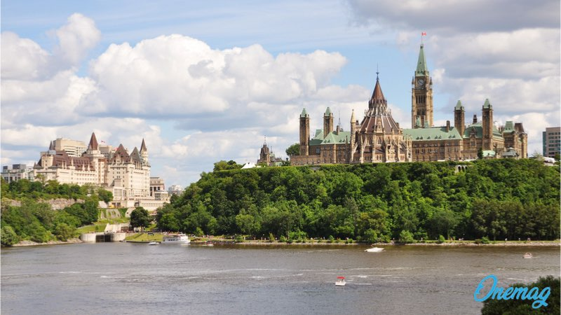 Visitare Parliament Hill, Chateau Laurier Hotel