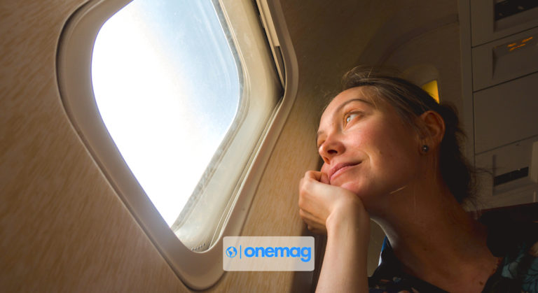 Come affrontare un lungo viaggio aereo | Guida pratica completa