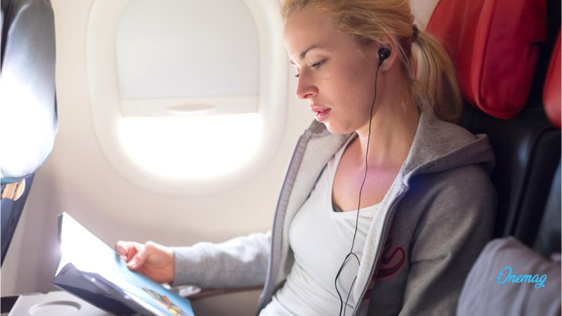 Come affrontare un lungo viaggio aereo