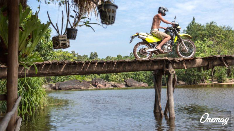 Le attività sportive della Cambogia, motocross