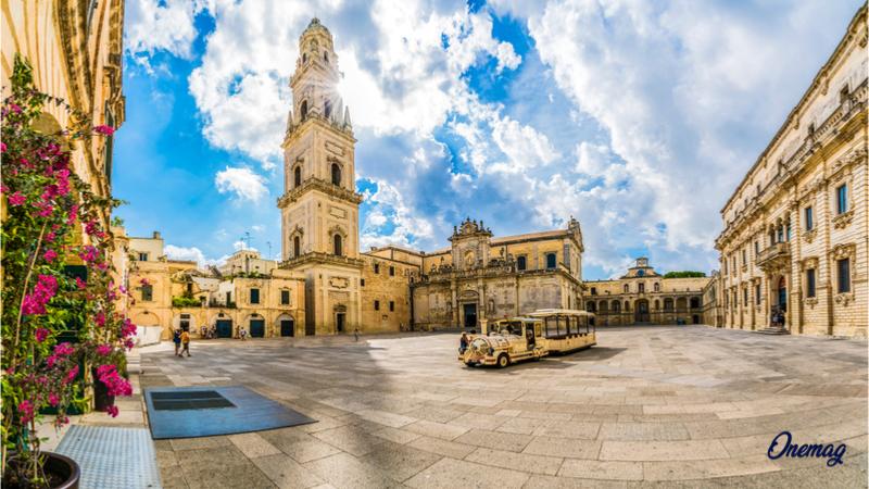 Cosa vedere a Lecce, Piazza Duomo