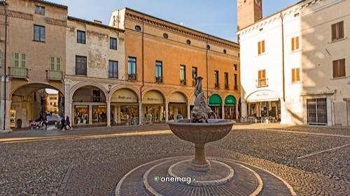 Cosa vedere a Mantova, Piazza Broletto
