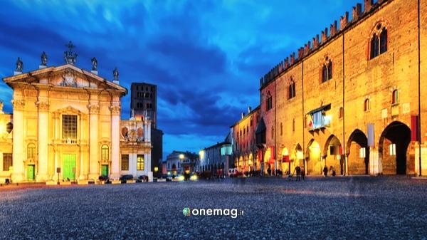 Cosa vedere a Mantova, Piazza Mantegna