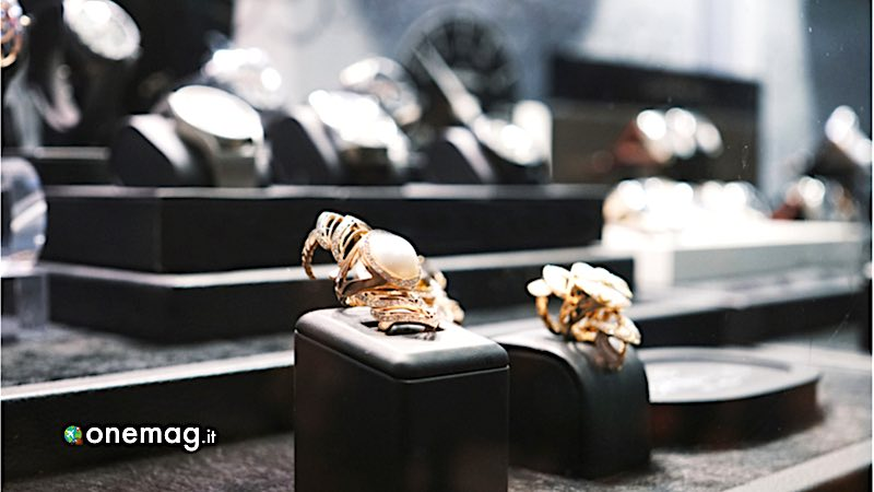 Milano, gioielleria