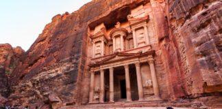 Petra, la città nascosta scolpita nella roccia