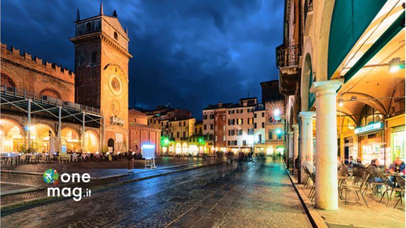 Cosa vedere a Mantova, Piazza delle Erbe