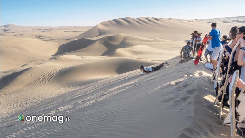 Usa -Sandboarding sulle dune