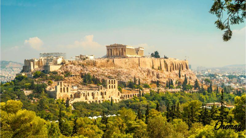 Atene in autunno, Acropoli