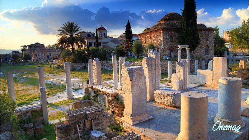 Atene in autunno, Agorà