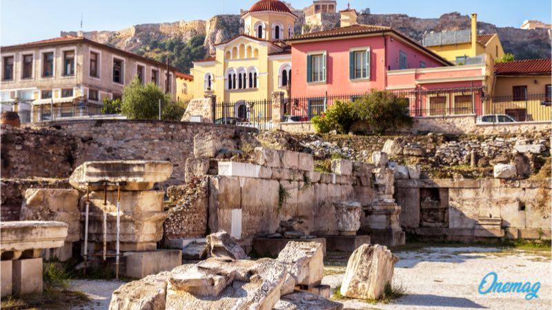 Atene in autunno, la biblioteca di Adriano