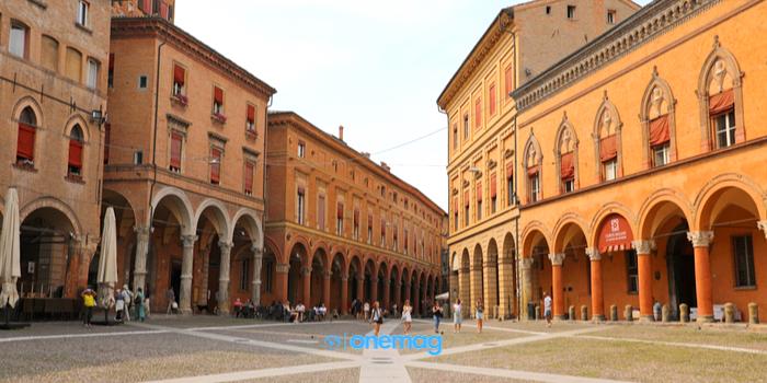 Cosa vedere a Bologna, Piazza Santo Stefano
