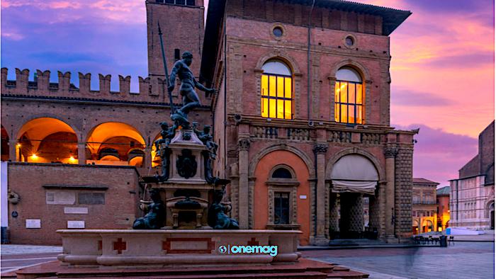 Cosa vedere a Bologna, Piazza del Nettuno