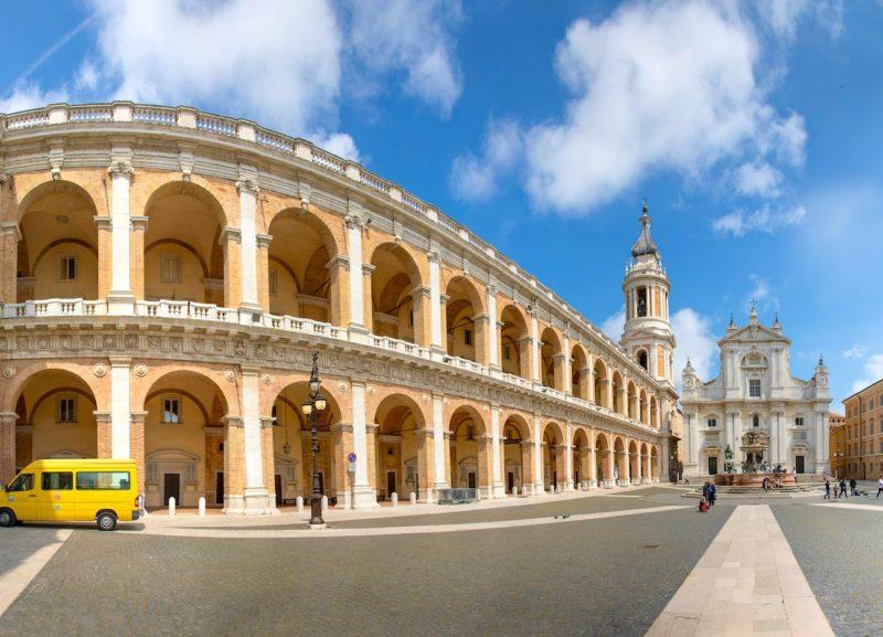 Loreto, piazza e Basilica