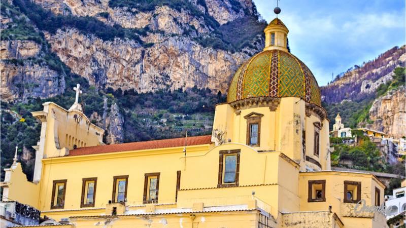Cosa vedere a Positano, chiesa di Santa Maria Assunta