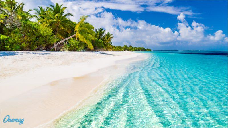 Le spiagge e il mare delle Maldive