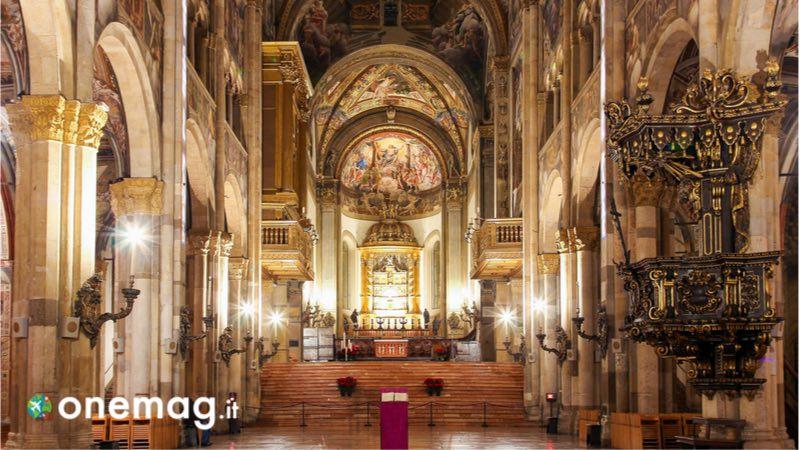 L'interno del Duomo di Parma
