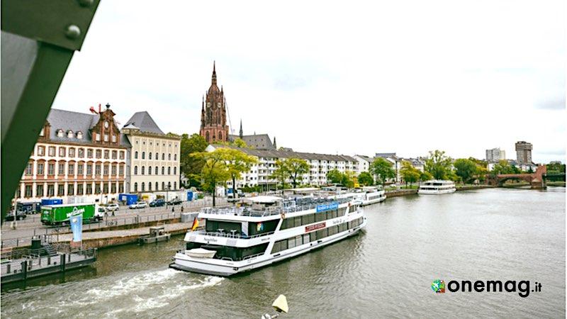 Cosa vedere a Francoforte, battello sul Meno