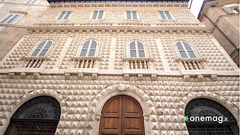 Macerata, Palazzo Diamante