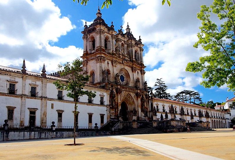 Cosa vedere in Portogallo, Alcobaca Cattedrale