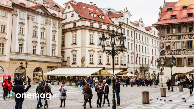 Piazza della Città Vecchia di Praga, Casa della Campana di Pietra