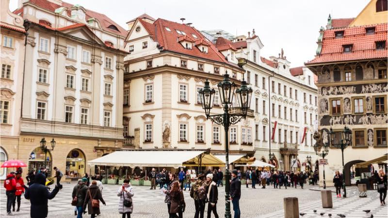 La piazza della città vecchia di Praga