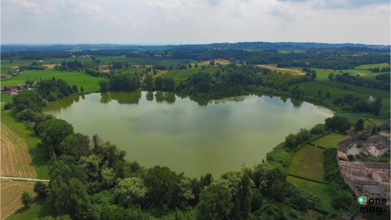 Cosa vedere a Castellaro Lagusello, il lago a forma di cuore