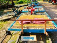 Battambang e il suo treno di bambù