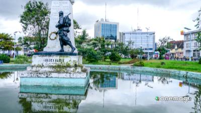 Douala, statua coloniale