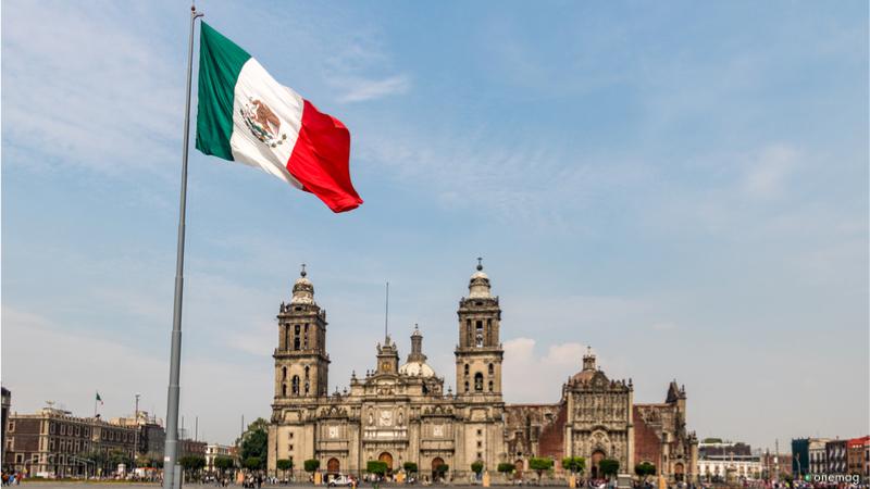 Piazza della Costituzione a Città del Messico