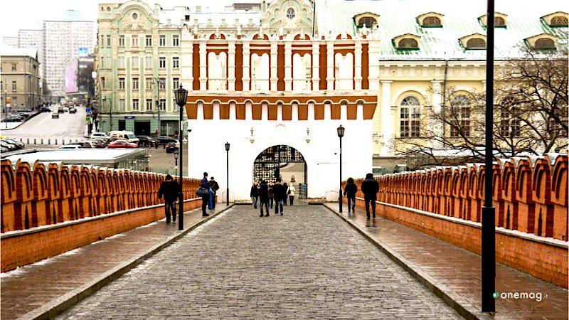 Cosa vedere al Cremlino, il Ponte della Trinità