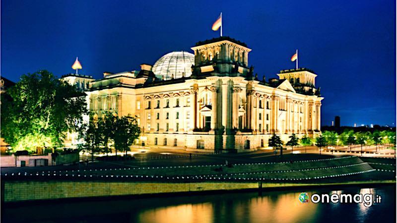 Reichstag di Berlino, veduta notturna