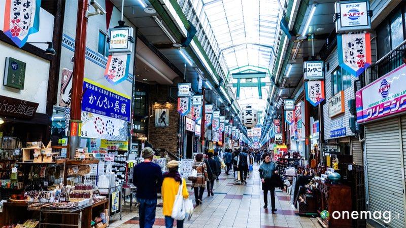 Il quartiere Kita-Ku di Osaka, Tenjinbashi-suji Shopping Street