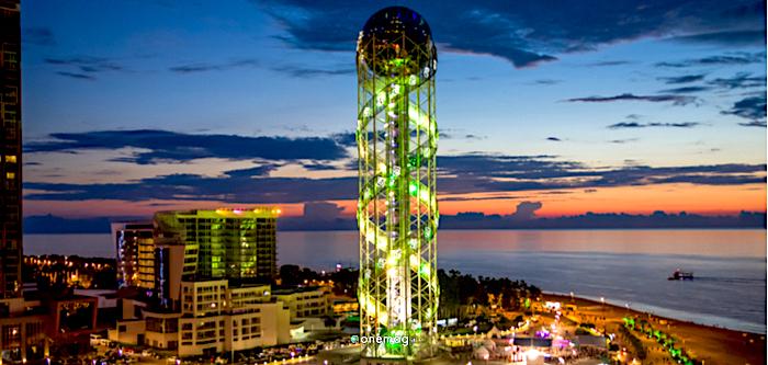 Cosa vedere a Batumi, la torre dell'alfabeto